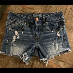 American Eagle MIDI distressed jean shorts stretch